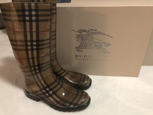 Burberry Rain Boots for Sale in Ives Estates, FL