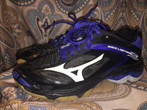 Mizuno volleyball shoes (size 7) for Sale in Buckeye, AZ