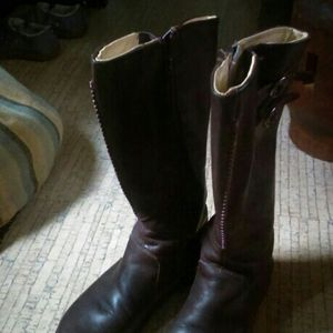Ladies KEEN Tall Leather Boots Size 8 for Sale in Burlington, WA