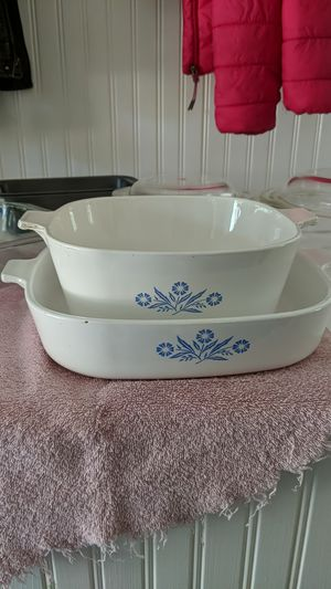 Corning Ware and Pyrex baking dishes. , and non-stick metal loaf pans. for Sale in Corbett, OR