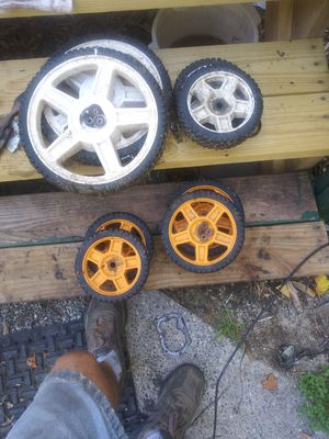 1 set of poulan for push mower and 1 set of weed eater wheels for Sale in Thomasville, NC