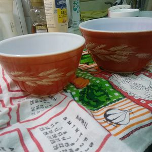 Vintage pyrex Autumn Harvest mixing bowl bowls 401 402 for Sale in Davie, FL