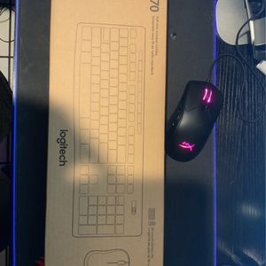 Logitech Mk270 Wireless Keyboard And Mouse for Sale in Bell, CA