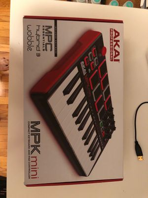 Akai MPK Mini Midi Keyboard for Sale in Los Angeles, CA