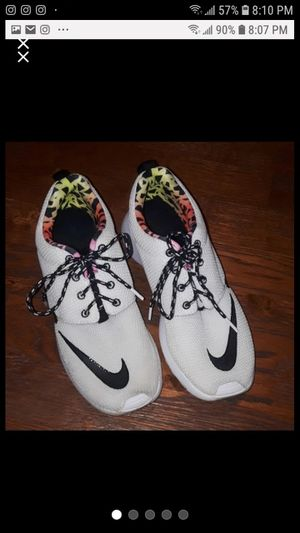 Girl's Nike Tennis Shoes Size 6Y for Sale in Lexington, KY