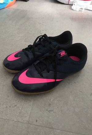 Size 5.5 Nike Indoor Turf soccer Shoes for Sale in Miami, FL