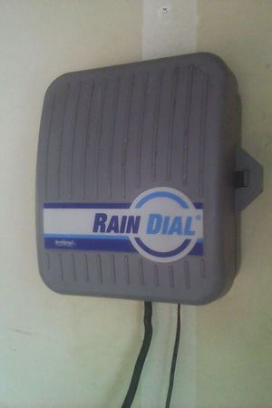 Rain dial 6 station automatic sprinkler system for Sale in Fresno, CA