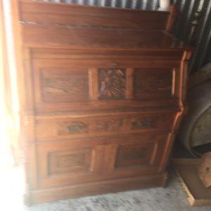 Dresser ?? Cabinet ?? for Sale in Hayward, CA