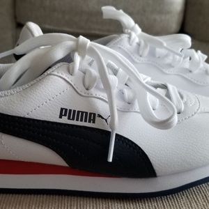 Puma Sneakers Size 4.5 for Sale in Windermere, FL