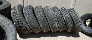 5 low pro drive tires and 2 trailer tires en buenas condiciones bonitas y baratas 👌🎈🎈🎈🚚🚛🚚🙂👍 for Sale in Highland, CA
