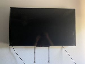 "32"" Roku t.v. for Sale in Welby, CO"
