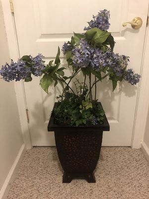 Light weight flower pots with purple flowers for Sale in Alexandria, VA
