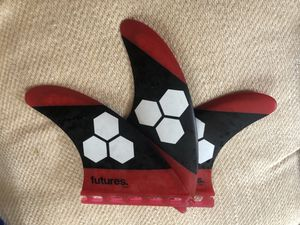 Futures AM3 Surfboard tri fins size small for Sale in Haleiwa, HI