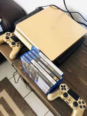 Ps4 Gold! , 5 Games & Two Gold Controllers for Sale in Fort Worth, TX