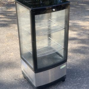 Turbo air CRT-77 Diamond show case glass sided countertop display refrigerator for Sale in Orlando, FL