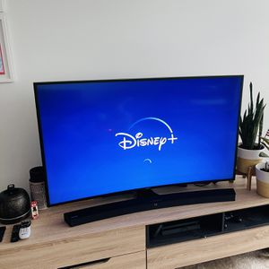 """TV Samsung Curve 55"""" and Curved Soundbar w/Wireless Subwoofer!! for Sale in Miami, FL"""