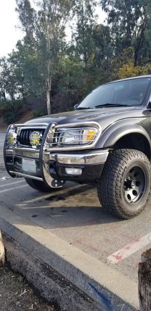Toyota tacoma 6cyl 2002 for Sale in Los Angeles, CA