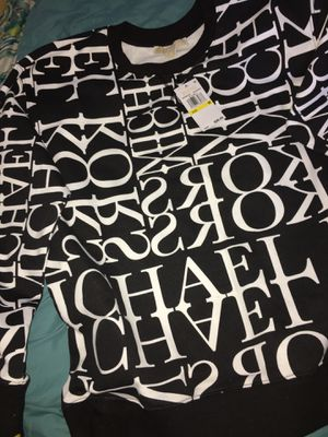 Michael Kors Size MEDIUM sweater for Sale in San Francisco, CA