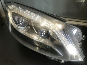 MERCEDES-BENZ S550 LED XENON HEADLIGHT -RIGHT SIDE for Sale in Los Angeles, CA