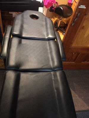 Salon bed for Sale in Oregon City, OR