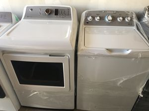 New GE washer 4,5 cu ft and electric dryer with steam cu ft for Sale in Alameda, CA