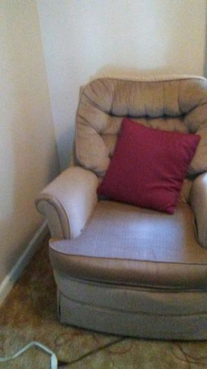 Nice bone colored antique rocking chair for Sale in Lawton, OK