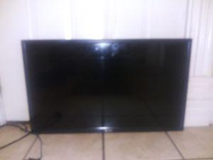 32 inch cheap cheap flat screen 50.00 for Sale in Columbia, MO