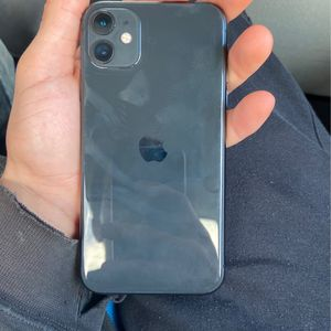 iPhone 11 Black 64g Unlocked for Sale in Bloomington, IL