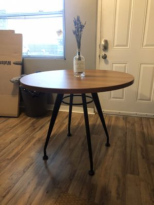 Circular dining table for Sale in Tampa, FL
