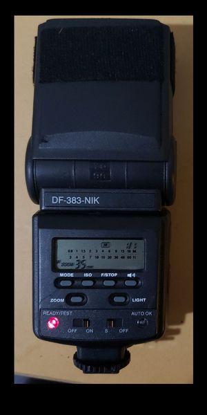 VivitarDF-383 Flash (Canon) for Sale in Indianapolis, IN