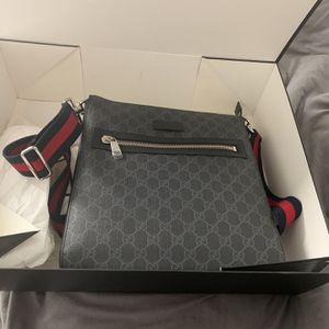 Gucci Black Small Messenger Bag for Sale in Phoenix, AZ