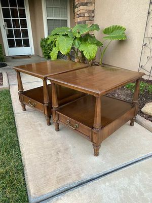 "PAIR OF VINTAGE ""HENREDON"" END TABLES / NITESTANDS W/ DRAWERS (23""W × 27""L × 22""H) for Sale in Corona, CA"
