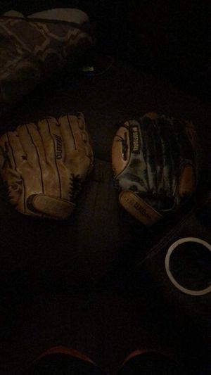 Baseball gloves for Sale in Oakland, CA