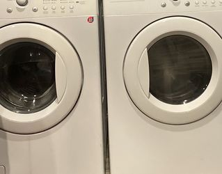 LG Front Loader Washer &Dryer for Sale in Yakima,  WA