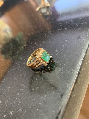 Ladies Emerald & Diamond size 7 Ring in 14 k gold for Sale in Hoffman Estates, IL