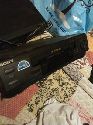 VCR+ sony with recording and stereo options
