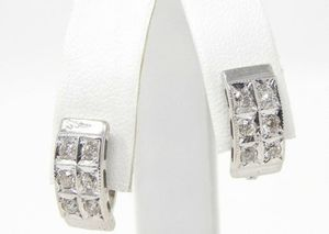 18k white gold .60 Ctw diamond earrings #10140 for Sale in Queens, NY