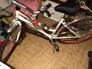 Gently Used Schwinn Admiral Hybrid Bike! for Sale in Bowie, MD