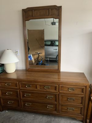 5 Piece Bedroom Set - Huntley by Thomasville for Sale in Murfreesboro, TN