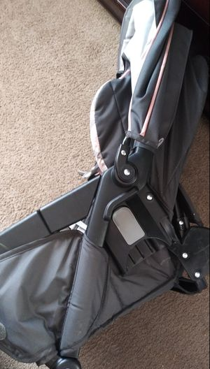 Car seat graco for stoller for Sale in Dallas, TX