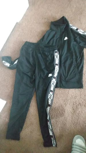 Nike sweatsuit for Sale in Washington, DC