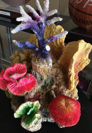 "Fish tank water decoration 14"" tall x 11"" wide for Sale in Chula Vista, CA"