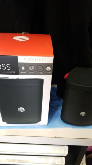 Bluetooth speaker tech life for Sale in Tulare, CA