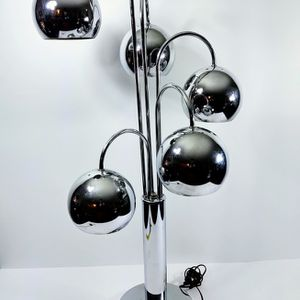 Mid Century Modern Chrome 5 Arms Eyeball Table Lamp by Robert Sonneman for Sale in Kirkland, WA