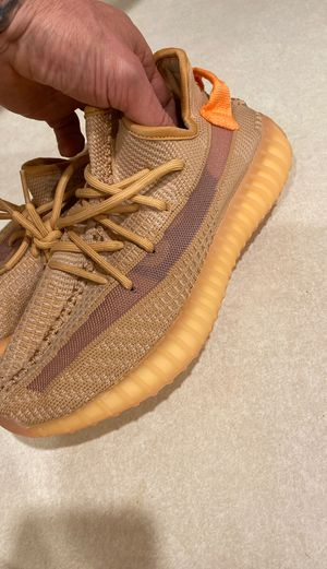 Woman Yeezy Boost shoes size 42 for Sale in Las Vegas, NV