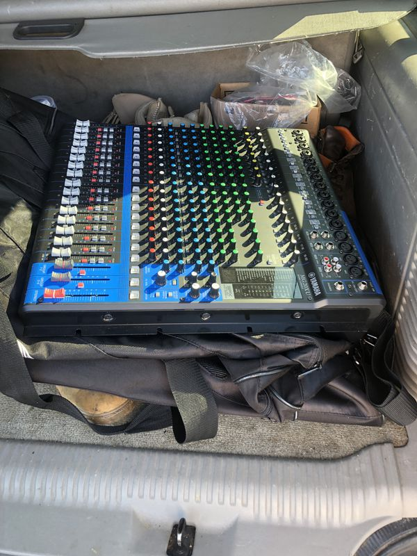 Yamaha mixer use one time only in great conditions