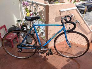 Schwinn Sprint Road Bike 80s Vintage for Sale in Miami, FL