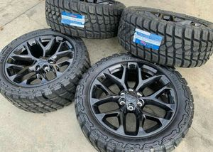 20 x 9 Wheels and tires set 275 55 20 for Sale in Phoenix, AZ