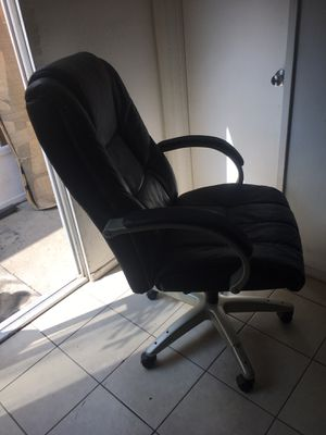 Office chair for Sale in Fullerton, CA