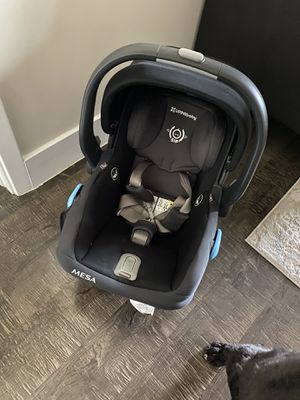Uppa baby Mesa infant car seat with base for Sale in Boca Raton, FL